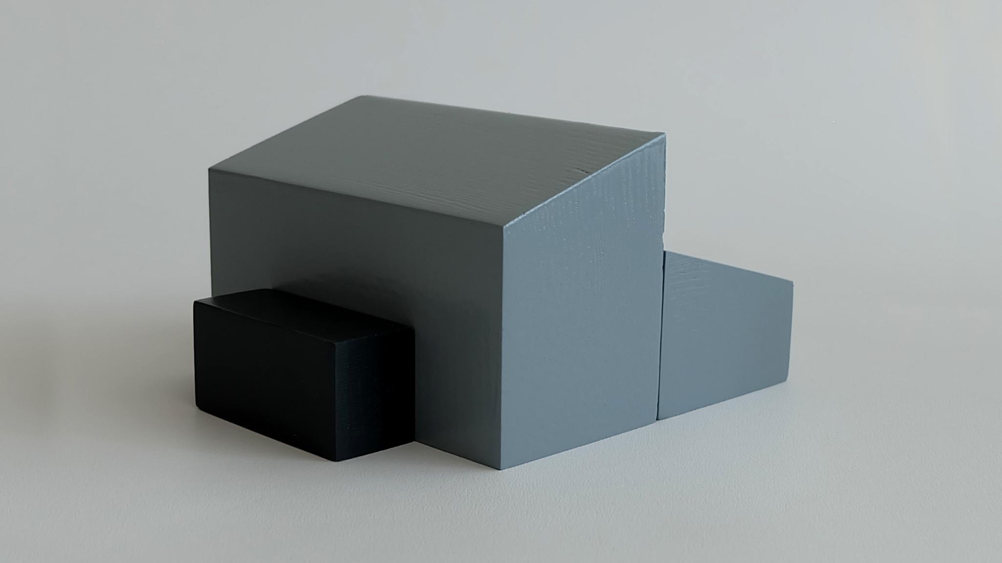 L24:  L23 + flat roof porch (low side)