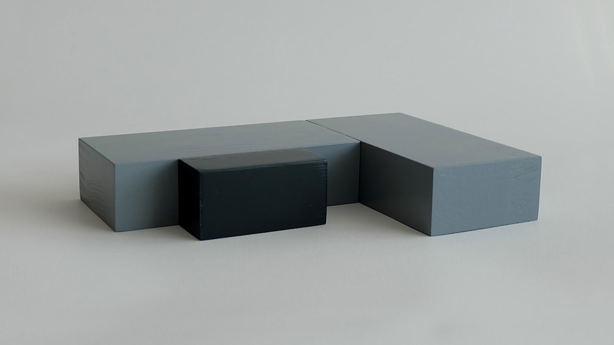 L19:  2 x One storey, flat roof + flat roof porch