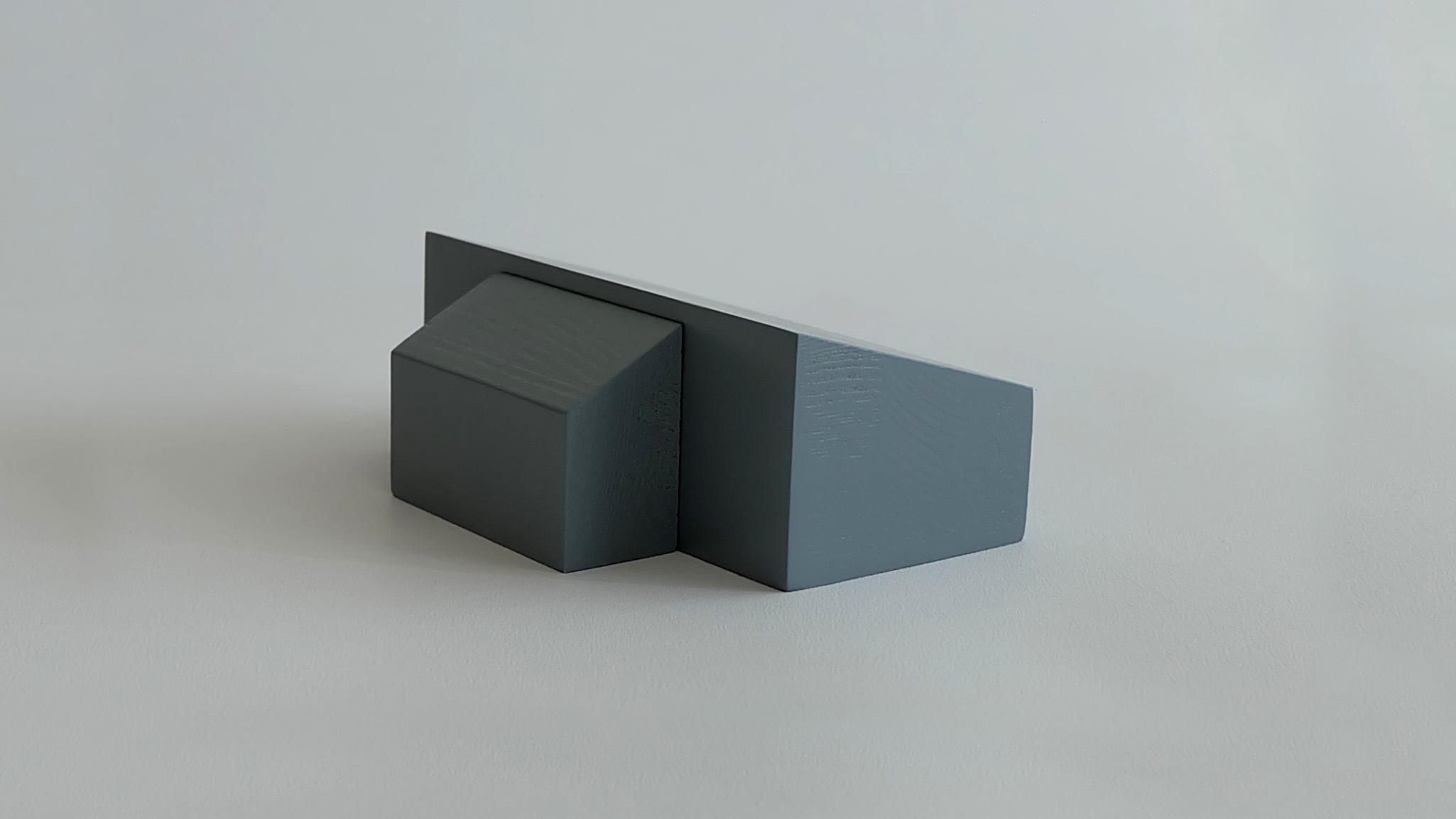 L07:  L05 + mono-pitch roof porch (high side)